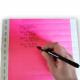 Kulepenn på fargede papirarmbånd